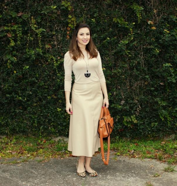 Skirt-midi-vanessa-duarte-look-monocromático
