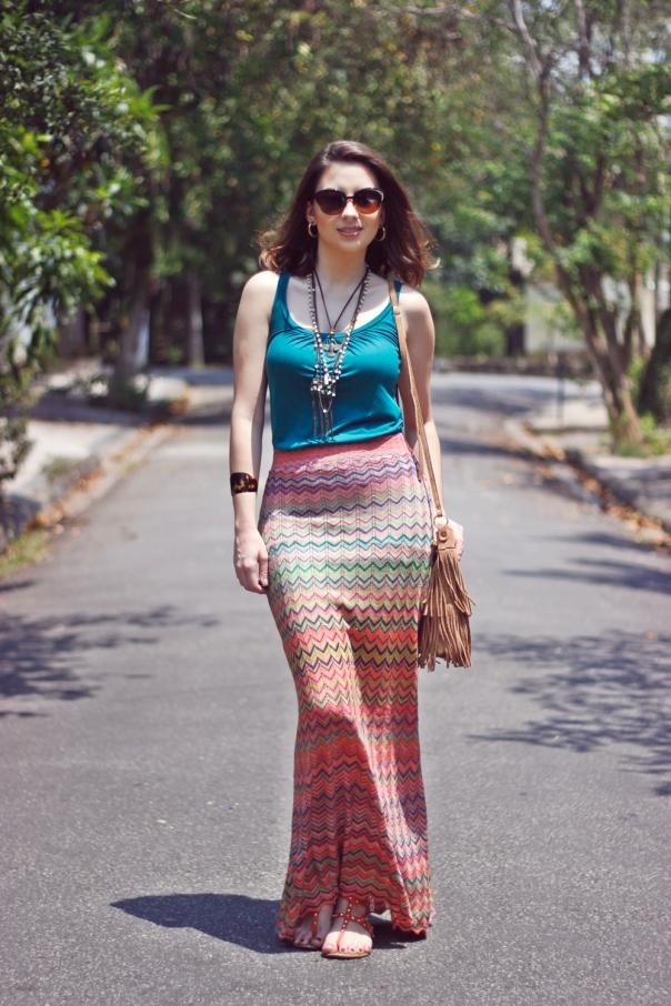 como-usar-saia-longa-reta-estampa-missoni-vanduarte-street-style-4