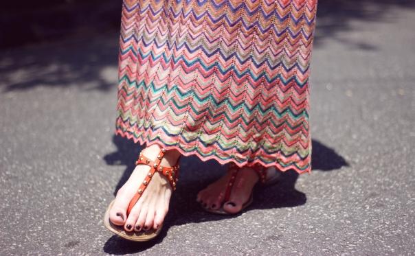 como-usar-saia-longa-reta-estampa-missoni-vanduarte-street-style-7