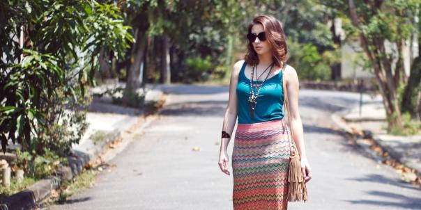 como-usar-saia-longa-reta-estampa-missoni-vanduarte-street-style-CAPA